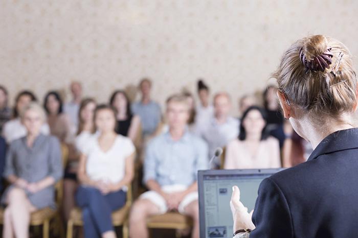 英语演讲常用口语_英语演讲口语总结分享