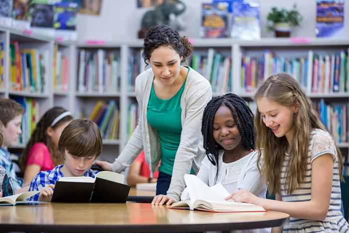批判性阅读分为哪几步?批判性阅读的四个阶段
