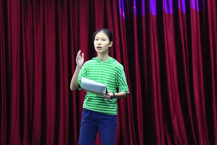 英锐戏剧暑期课:集肢体、语言、思维的英语戏剧